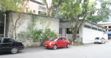 Vista lateral dos blocos de salas de aula do IAG. Fotógrafo Antônio Albuquerque. Acervo do Núcleo de Memória.