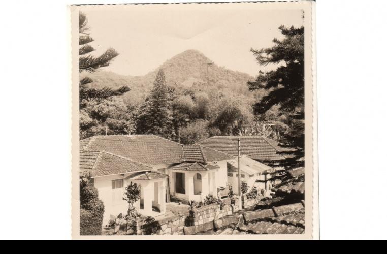 Casas da Vila antes da ocupação pelos diretórios acadêmicos. 1964. Fotógrafo desconhecido. Acervo do Núcleo de Memória.