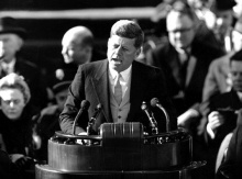 A cerimônia de posse ocorre no dia 21/01/1961