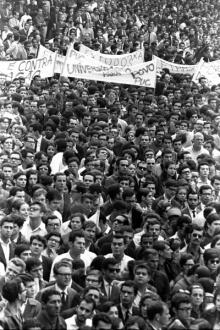 """""""Universidade para o povo"""