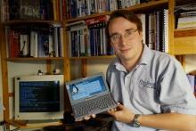 Linus Torvald e o sistema Linux.