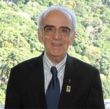 Prof. Pe. Pedro Magalhães Guimarães Ferreira S.J. Fotógrafo Antônio Albuquerque. Acervo do Núcleo de Memória.