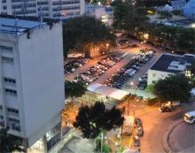 Vista noturna do estacionamento a partir do alto do Edifício Cardeal Leme. Fotógrafo Antônio Albuquerque. Acervo do Núcleo de Memória.