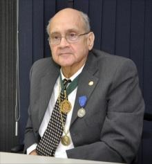 Professor Luiz Cesar Povoa. Fotógrafo Weiler Filho. Acervo do Projeto Comunicar.