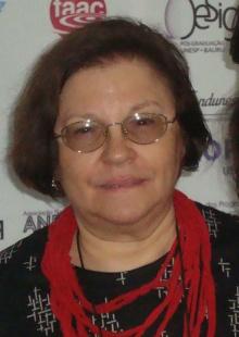 Professora Anamaria de Moraes. Fotógrafo Ivy Higino. Site da Escola de Design/UEMG.