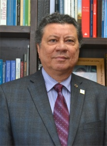 O Vice-Reitor para Assuntos Administrativos, Prof. Luiz Carlos Scavarda do Carmo. Fotógrafo Antônio Albuquerque. Acervo do Núcleo de Memória.