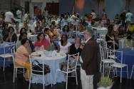 O Reitor Prof. Pe. Josafá na abertura do evento, realizado no Ginásio da PUC-Rio. Fotógrafo Antônio Albuquerque. Acervo do Núcleo de Memória.