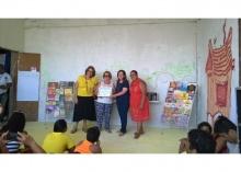 Cerimônia de entrega do certificado da premiação na Biblioteca do Lajão, comunidade dos Tabajaras. Fonte: divulgação.