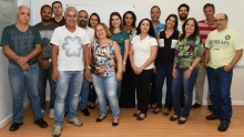 O Gerente de Finanças, Marco Antonio de Aguiar Mello, e equipe. Fotógrafo Antônio Albuquerque. Acervo Núcleo de Memória.