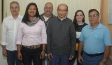 O Gerente de Orçamento, Antonio Ferreira Oliveira, e equipe. Fotógrafo Antônio Albuquerque. Acervo Núcleo de Memória.