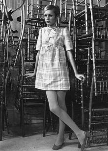 Twiggy revolucionou a moda com seu jeito quase infantil,usando e abusando da mini-saia, criada por Mary Quant.