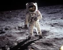 O homem na lua.