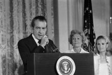 O Presidente Nixon ao renunciar à presidência dos Estados Unidos.