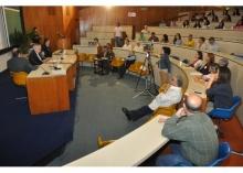 Abertura do evento, com a apresentação do Prof. Luiz Felipe Guanaes (NIMA), no Auditório do RDC. Fotógrafo Antônio Albuquerque. Acervo Núcleo de Memória.