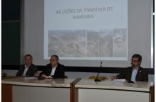 Abertura do evento com o Reitor Pe. Josafá Carlos de Siqueira S.J. no auditório do RDC. Fotógrafo Antônio Albuquerque. Acervo Núcleo de Memória.