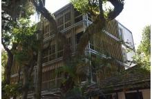 O novo prédio, localizado atrás da Vila dos Diretórios. Fotógrafo Antônio Albuquerque. Acervo Núcleo de Memória.