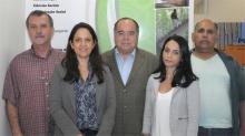 O Decano do Centro de Ciências Sociais, Prof. Luiz Roberto Azevedo Cunha, e equipe. Fotógrafo Antônio Albuquerque. Acervo Núcleo de Memória.
