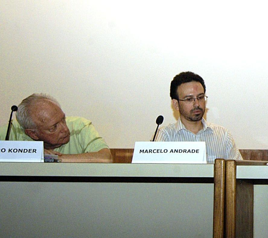 O Prof. Marcelo Andrade ao lado do Prof. Leandro Konder. 2007. Fotógrafa Isabela Campos. Acervo Comunicar.