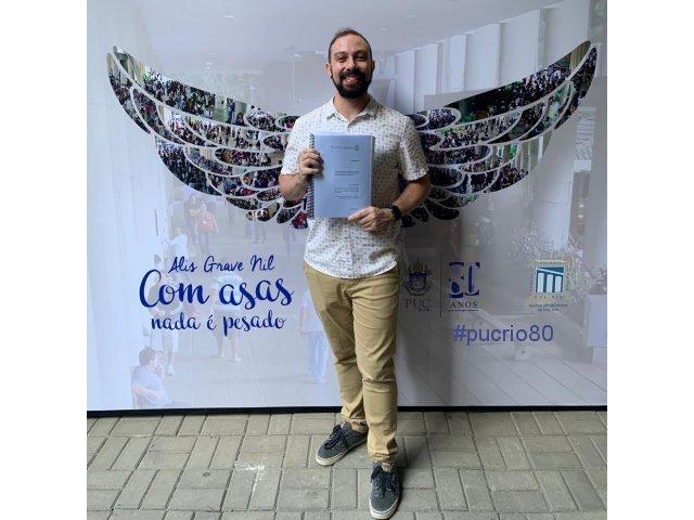 Prof. Felipe Bastos.