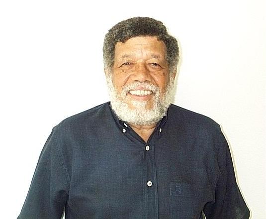 O Prof. Anselmo Salles Paschoa. Fonte: CV Lattes.