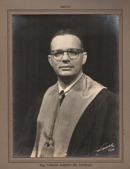 Prof. Carlos Alberto Del Castillo no álbum de formatura  da Escola Politécnica da Universidade Católica em 1957. Acervo da Reitoria.