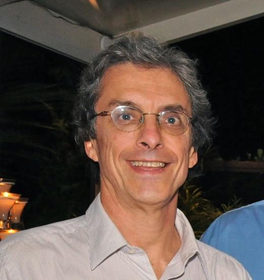 Professor Carlos Penna. Imagem obtida no site www.aspasiacamargo.com.br