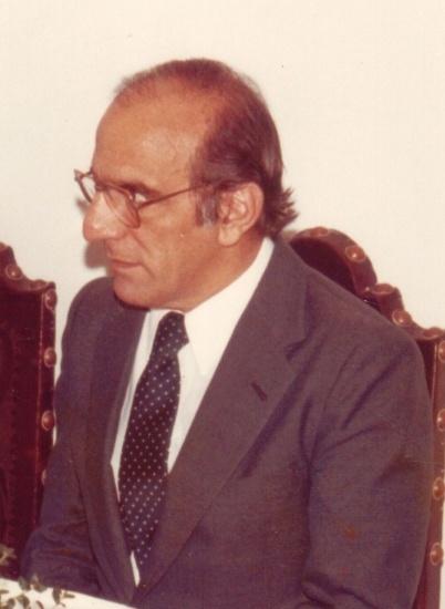 O Prof. Elias Kallás, em 1984. Fotógrafo desconhecido. Acervo Núcleo de Memória.