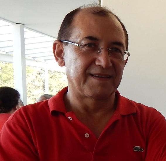 Prof. Carlos Patrício Samanez. Imagem fornecida pelo Departamento de Engenharia Industrial.