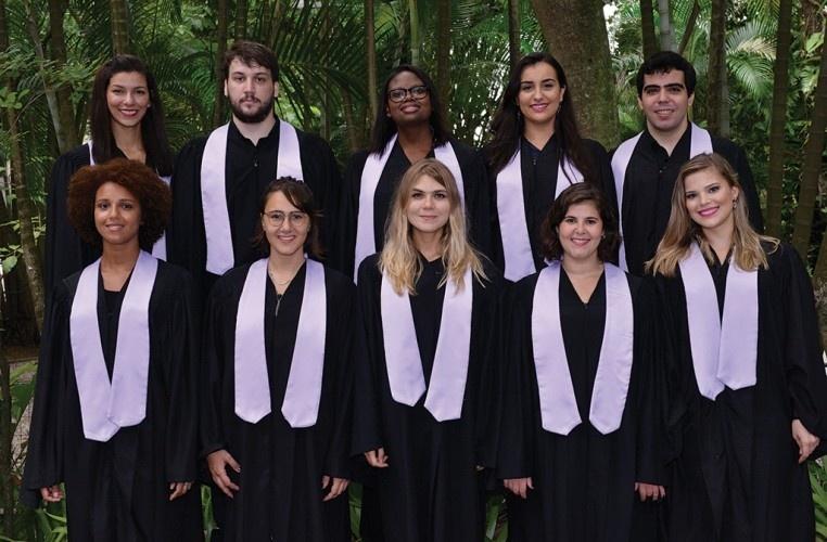 Foto de formatura do curso de Letras. 2015. Acervo Coordenação de Eventos Institucionais e Cerimonial (VRC).