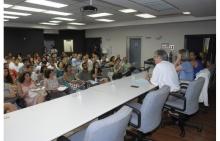 Evento de abertura do PIBID 2014 no auditório Padre Anchieta, com a presença do Vice-Reitor para Assuntos Acadêmicos Prof. José Ricardo Bergmann. Fotógrafo Antônio Albuquerque. Acervo Núcleo de Memória.