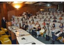 Apresentação do Reitor Prof. Pe. Josafá Carlos de Siqueira S.J. Fotógrafo Antônio Albuquerque. Acervo Núcleo de Memória.