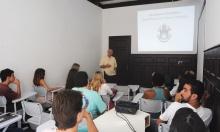O Reitor Prof. Pe. Josafá Carlos de Siqueira S.J. durante aula inaugural do curso de Ciências Biológicas. Fotógrafo Bruno Pereti. Acervo do Projeto Comunicar.