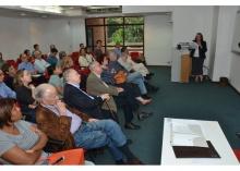 Aula Magistral da Profa. Maria Clara Bingemer, no Auditório Amex/IAG. Fotógrafo Antônio Albuquerque. Acervo Núcleo de Memória.