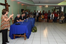 Discurso da Profa. Angela Paiva, coordenadora da CCCI, no salão da Pastoral. Fotógrafo Antônio Albuquerque.