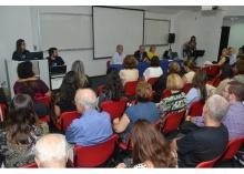 O Prof. Pe. Josafá S.J., Reitor da PUC-Rio, no Auditório Amex/IAG. Fotógrafo Antônio Albuquerque. Acervo Núcleo de Memória.