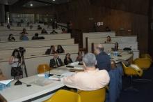 Palestra do Prof. Stefano Guzzini, no Auditório do RDC. Fotógrafo Antônio Albuquerque. Acervo do Núcleo de Memória.