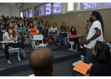 Debate realizado no Auditório F401. Fotógrafo Antônio Albuquerque. Acervo Núcleo de Memória.