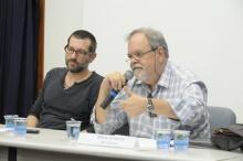 Os Professores Philippe Bonditti e Márcio Scalercio durante o debate, no Auditório Padre Anchieta. Fotógrafo Antônio Albuquerque. Acervo do Núcleo de Memória.