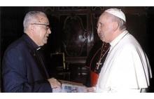 O Pe. Josafá S.J., Dom Orani e o Papa Francisco durante o encontro no Vaticano. Foto de divulgação.