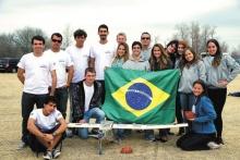 Equipe da PUC-Rio durante a competição. Acervo do Projeto Comunicar.