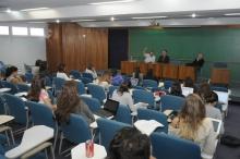 Debate realizado no Auditório B6. Fotógrafo Antônio Albuquerque. Acervo do Núcleo de Memória.