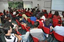 Uma das palestras, realizadas no Auditório AMEX/IAG. Fotógrafo Antônio Albuquerque. Acervo do Núcleo de Memória.
