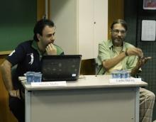 O Prof. Murilo Meihy (HIS) e Carlos Eugênio Baptista (Patati), quadrinista e pesquisador. Fotógrafa Carol Lucchetti. Acervo do Projeto Comunicar.
