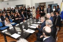O Reitor Pe. Josafá S.J. discursa no lançamento do Fundo Patrimonial, na sala do Conselho Universitário. Fotógrafo Antônio Albuquerque.