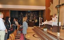 Missa celebrada pelo Reitor Prof. Pe. Josafá S.J. Fotógrafo Jorge Paulo. Acervo do Projeto Comunicar.