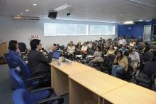Palestra do Prof. Patryck de Araújo Ayala realizada no Auditório B8. Fotógrafo Antônio Albuquerque. Acervo do Núcleo de Memória.