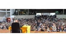 O Ginásio Poliesportivo lotado para ouvir Eduardo Galeano. Foto: divulgação IILER.