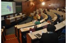 Uma das palestras, no Auditório do RDC. Fotógrafo Antônio Albuquerque. Acervo Núcleo de Memória.