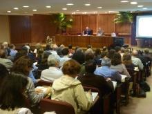 Apresentação do Reitor prof. Pe. Josafá S.J no auditório da Casa de Retiros Anchieta. Acervo do Núcleo de Memória.