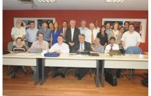 Participantes do workshop, realizado na Sala de Reuniões do Decanato do CTC. Fotógrafo Antônio Albuquerque. Acervo Núcleo de Memória.